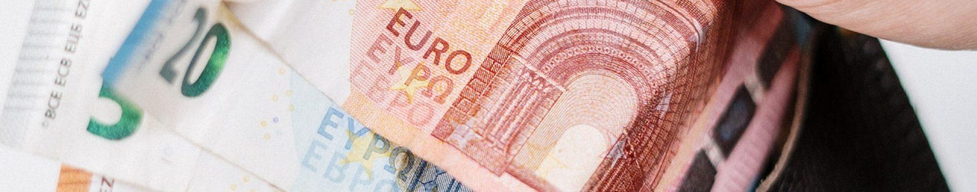 10-and-10-euro-banknotes-3943740