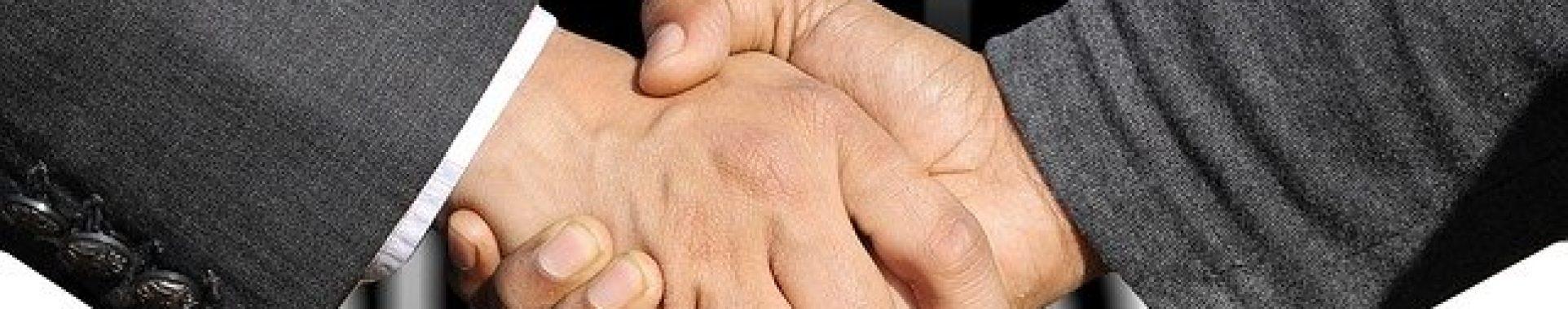 shaking-hands-3091908_640 (1)